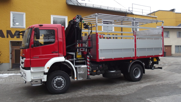 MB Axor. Ladekran PK 18002, Ladebordwand MBB-Palfinger 1500 KL.